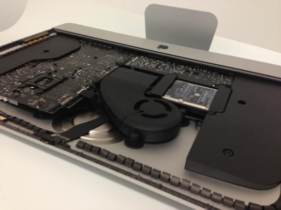 Внутренности нового iMac 21,5