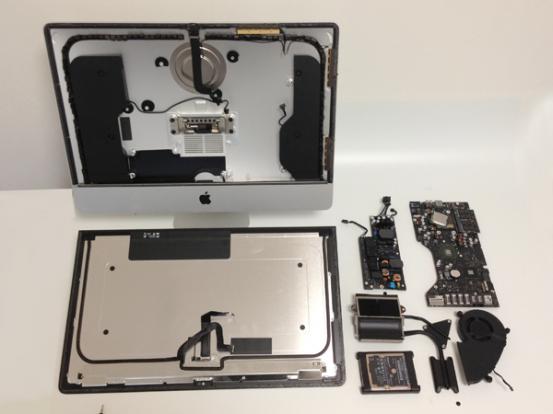Новый 21,5-дюймовый iMac в разобранном состоянии