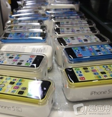iphone-5c-packaged_nowm