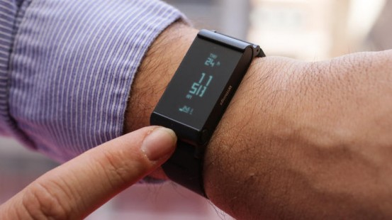 withings-pulse-o2-product-photos-03_nowm