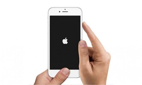 iphone6_hands_reset_homepage_thumb800