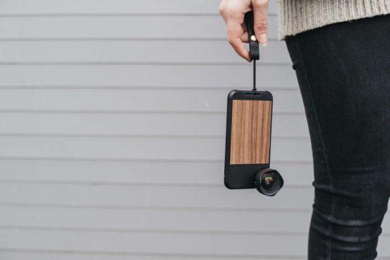 Чехол Moment обеспечит iPhone X кнопкой затвора и съёмными объективами