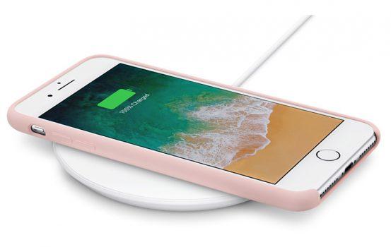 Сравнение скорости зарядки iPhone 8 Plus проводным и беспроводным способом